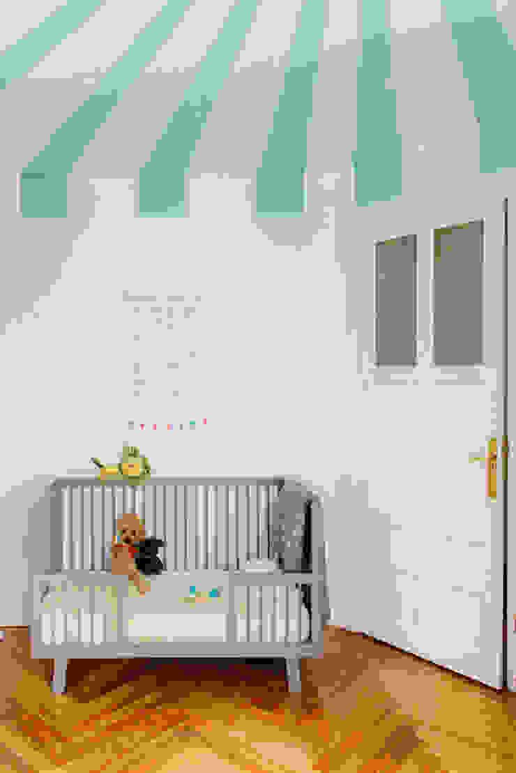 Vivienda zona plaza de Olavide, Madrid Dormitorios infantiles de estilo escandinavo de nimú equipo de diseño Escandinavo