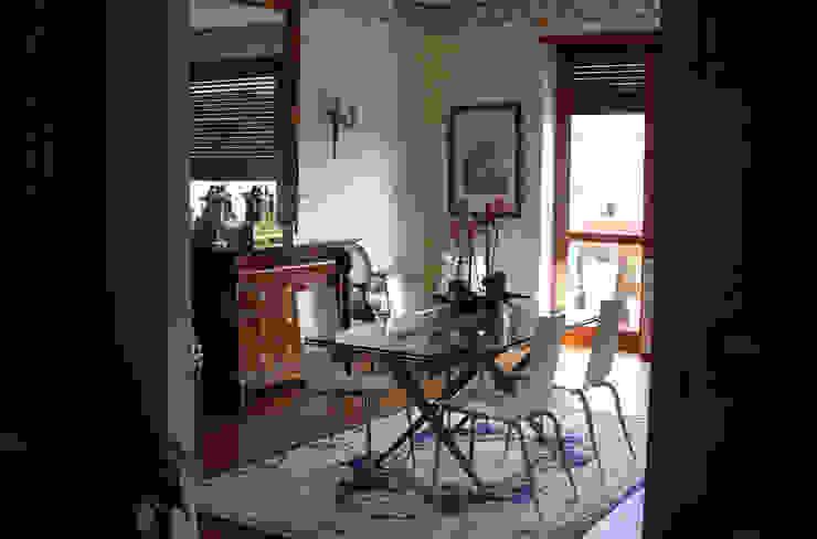 Salas de jantar clássicas por Studio PROJECT-TO Clássico