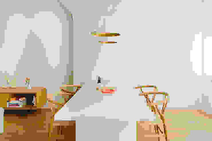 Vivienda zona Quevedo, Madrid Comedores de estilo moderno de nimú equipo de diseño Moderno