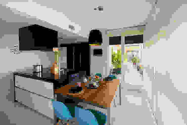 Vivienda zona Acacias, Madrid Cocinas de estilo moderno de nimú equipo de diseño Moderno