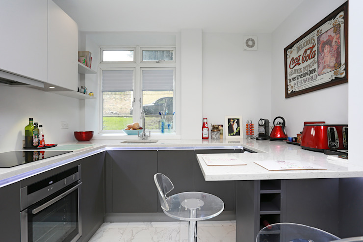 ​Small matt kitchen design Cocinas de estilo moderno de LWK London Kitchens Moderno