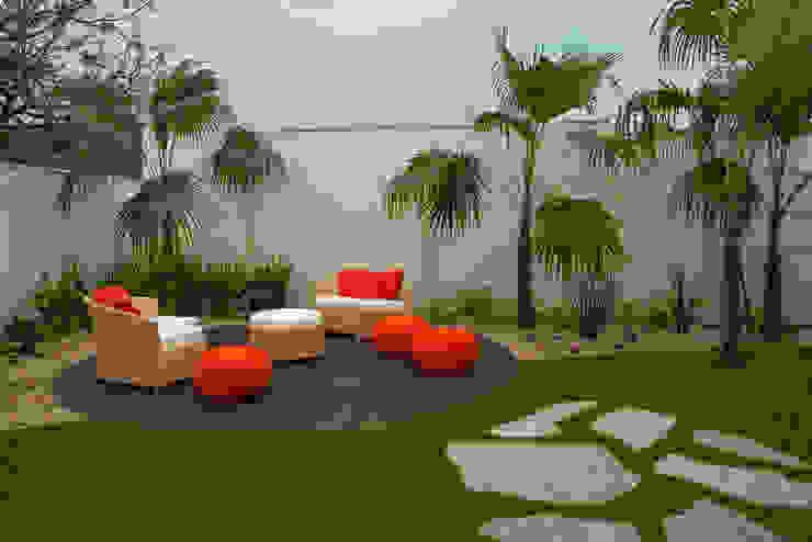 Jardines de estilo  por Designer de Interiores e Paisagista Iara Kílaris, Moderno