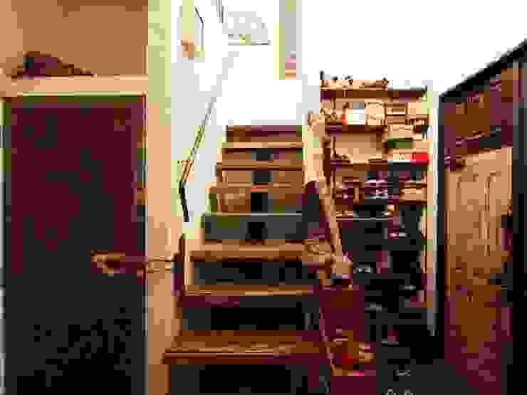 日野の家 オリジナルスタイルの 玄関&廊下&階段 の HandiHouse project オリジナル