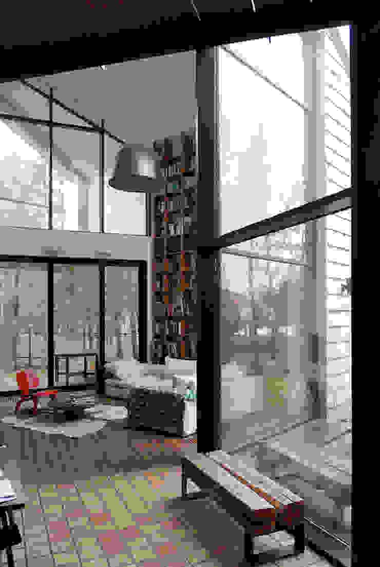 Ruang Keluarga Minimalis Oleh SDA - SZCZEŚNIAK DENIER ARCHITEKCI Minimalis