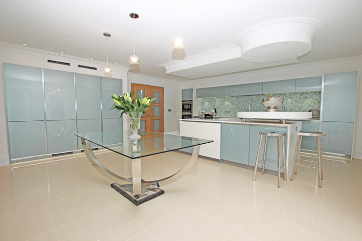 ​Blue and white gloss lacquer kitchen LWK London Kitchens Modern style kitchen