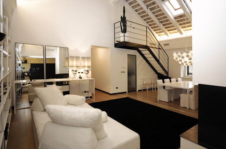 Arch. Roberto Buzzi Modern corridor, hallway & stairs