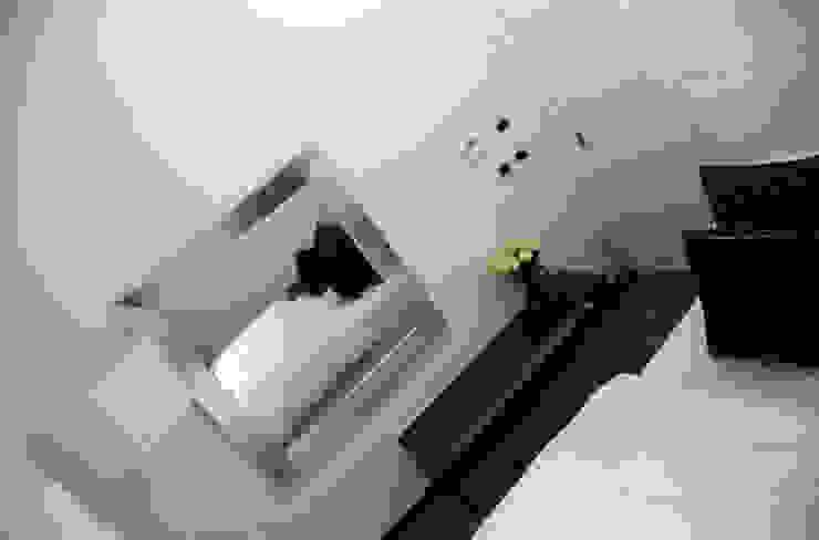Casa S Arch. Roberto Buzzi Camera da letto moderna