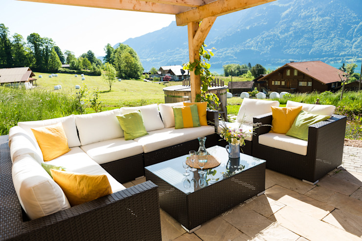 Terrace by Visions Haus, Modern