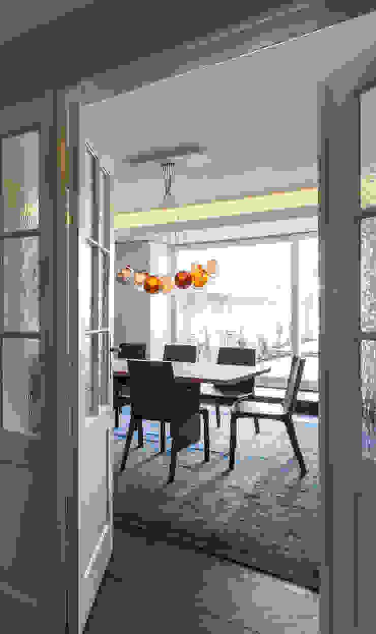 Classic style dining room by Löffler Weber | Architekten Classic