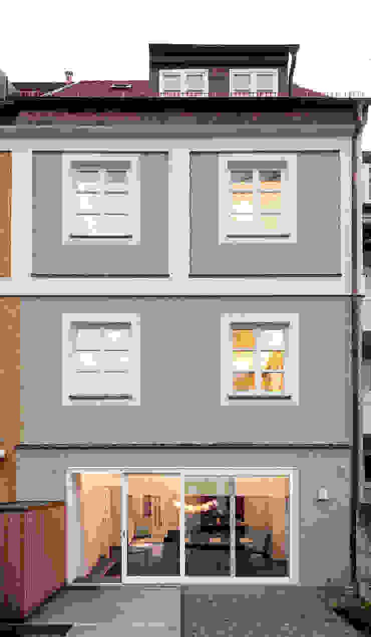 Classic style houses by Löffler Weber | Architekten Classic