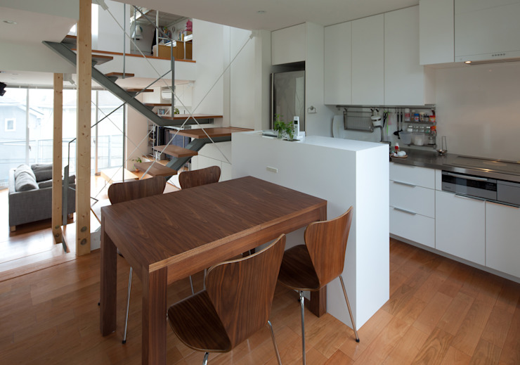 Studio R1 Architects Office Modern kitchen