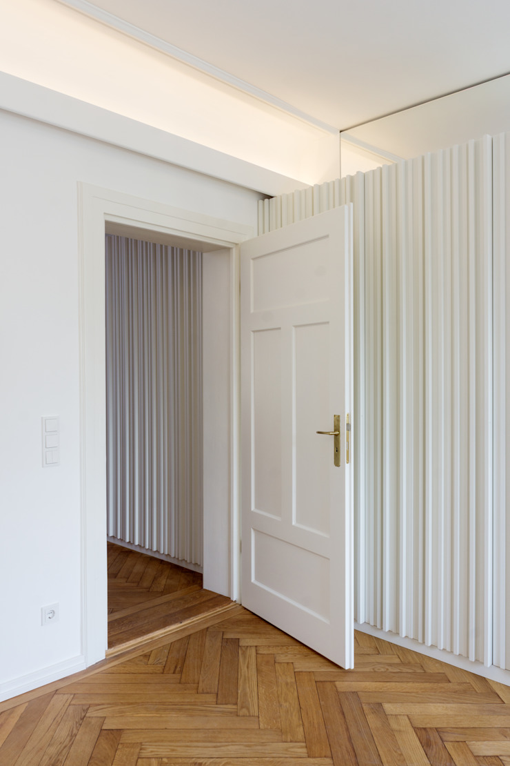 Classic style study/office by Löffler Weber | Architekten Classic