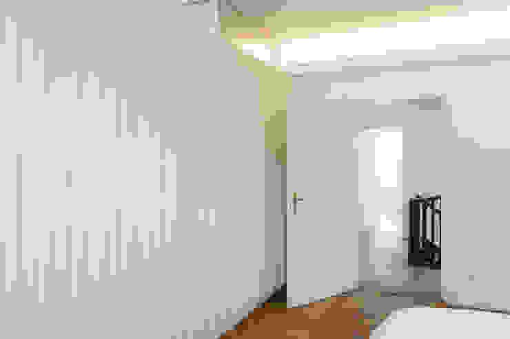 Classic style bedroom by Löffler Weber | Architekten Classic