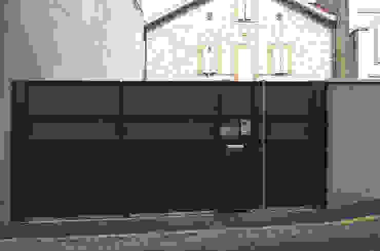 Portail CP #37 Maisons modernes par ATELIER R ARCHITECTES Moderne