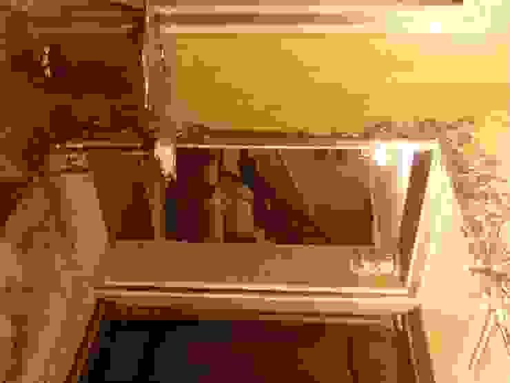 зеркала барельефом Коридор, прихожая и лестница в классическом стиле от Абрикос Классический