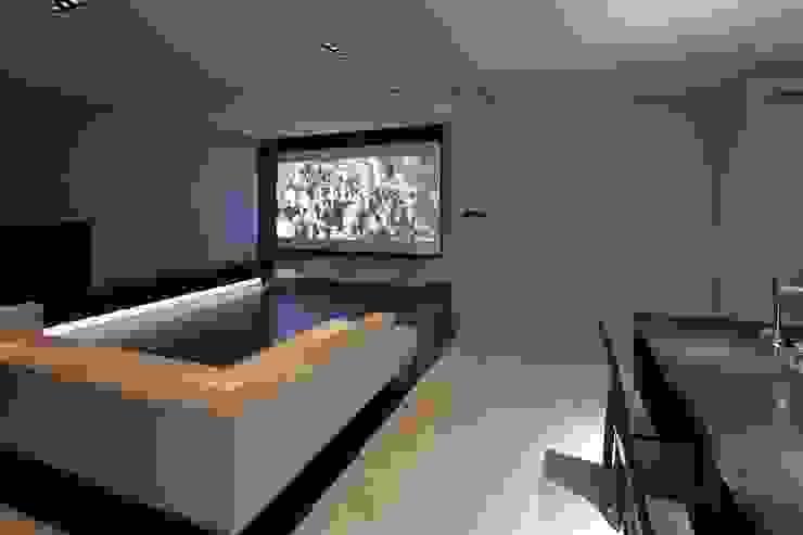 Living room by 株式会社細川建築デザイン, Modern
