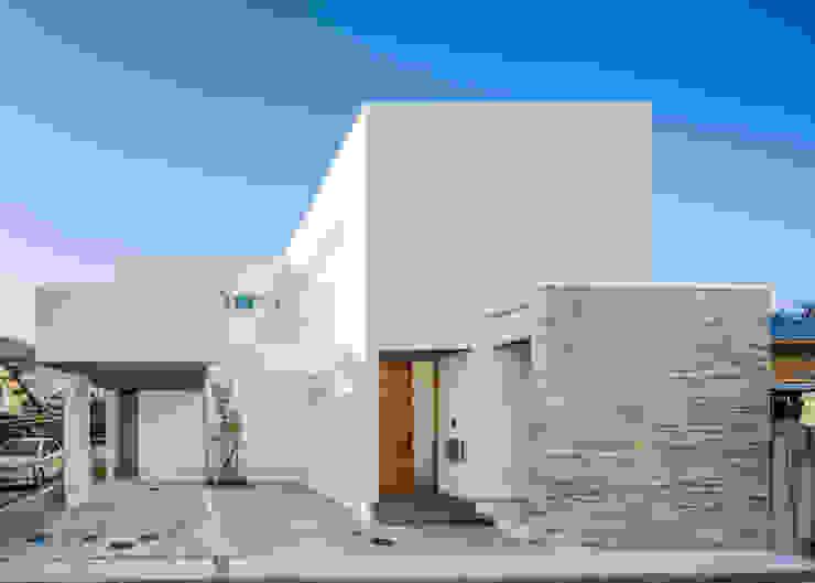 株式会社細川建築デザイン Casas de estilo moderno
