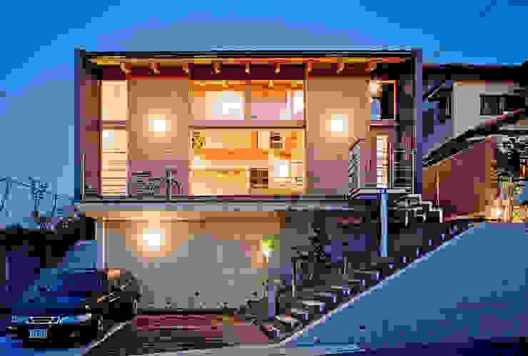 Modern houses by 久保田英之建築研究所 Modern