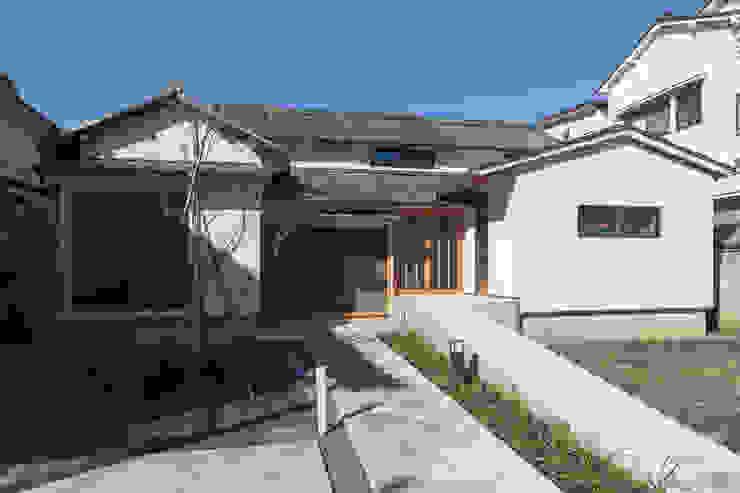 外観 クラシカルな 家 の 結人建築設計事務所 クラシック