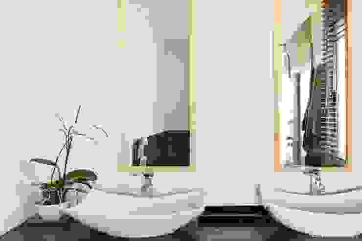 VIVIENDA UNIFAMILIAR 100% FENG SHUI Baños de estilo minimalista de AREA FENG SHUI │Arquitectura Interiorismo y Decoración Feng Shui Minimalista