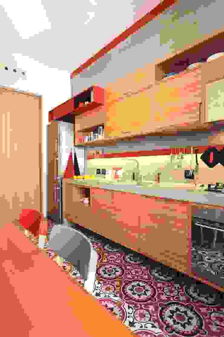 Cocinas de estilo moderno de studio magna Moderno