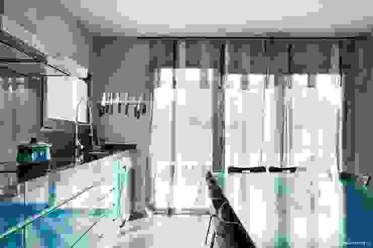 VIVIENDA UNIFAMILIAR 100% FENG SHUI Cocinas de estilo moderno de AREA FENG SHUI │Arquitectura Interiorismo y Decoración Feng Shui Moderno
