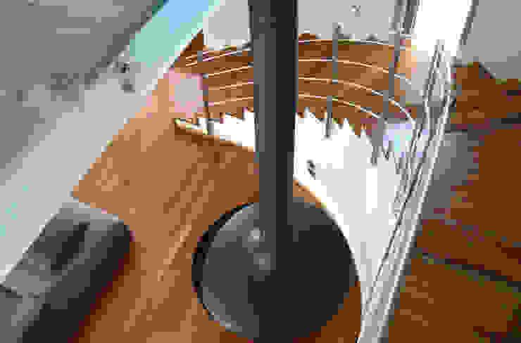 Casa M Ingresso, Corridoio & Scale in stile moderno di Stefania Paradiso Architecture Moderno
