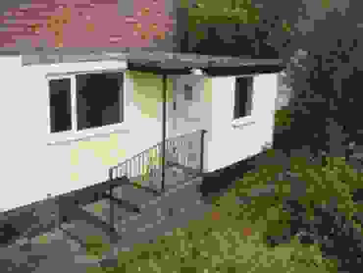 Camilia Cottage - Before by Hampshire Design Consultancy Ltd.