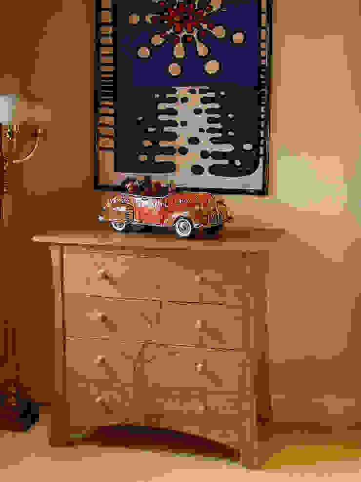 'Sapling' chest of drawers: modern  by Cadman Furniture, Modern