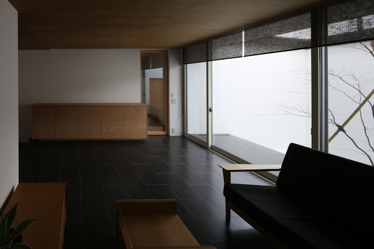 高岡の家 モダンデザインの リビング の 深山知子一級建築士事務所・アトリエレトノ モダン