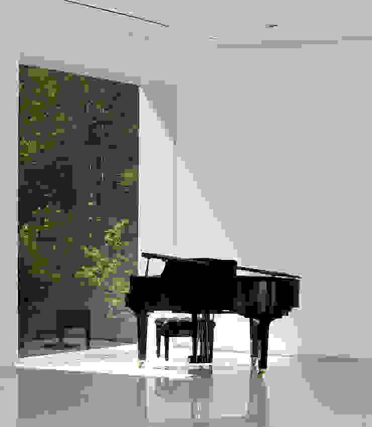 Puertas y ventanas de estilo moderno de NEED21 ASSOCIATES Moderno