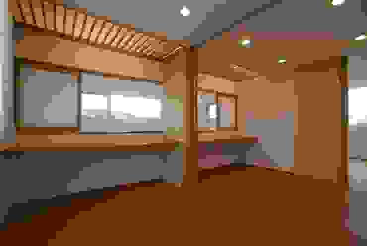 子供室 オリジナルデザインの 子供部屋 の 伊達剛建築設計事務所 オリジナル