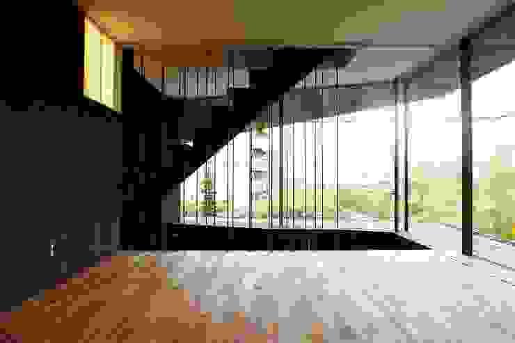 SPROUT モダンデザインの リビング の 石塚和彦アトリエ一級建築士事務所 モダン