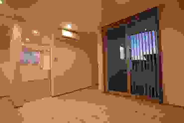 主寝室 オリジナルスタイルの 寝室 の 伊達剛建築設計事務所 オリジナル