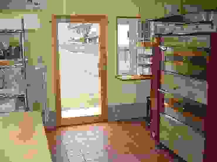 内観 オリジナルデザインの キッチン の 伊達剛建築設計事務所 オリジナル