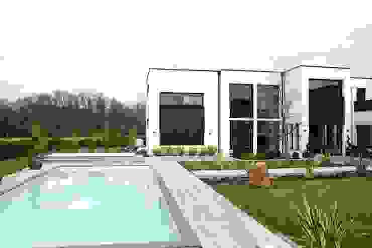 Piscine Piscine moderne par scp duchemin melocco architectes Moderne