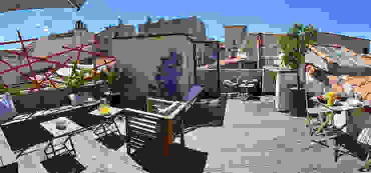Toit terrasse à Marseille Balcon, Veranda & Terrasse méditerranéens par Slowgarden Méditerranéen