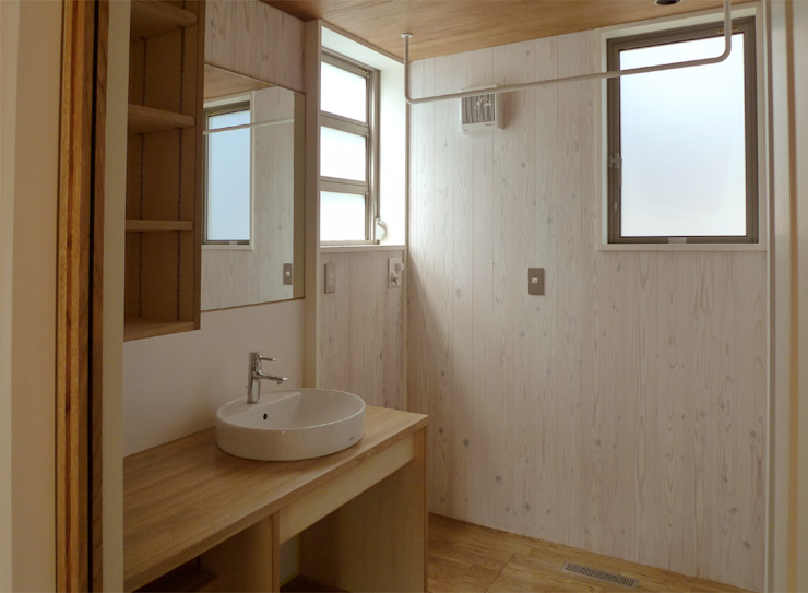 Eclectic style bathroom by 竹内裕矢設計店 Eclectic