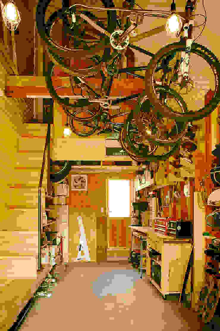 手稲の三角 モダンデザインの 多目的室 の 石塚和彦アトリエ一級建築士事務所 モダン
