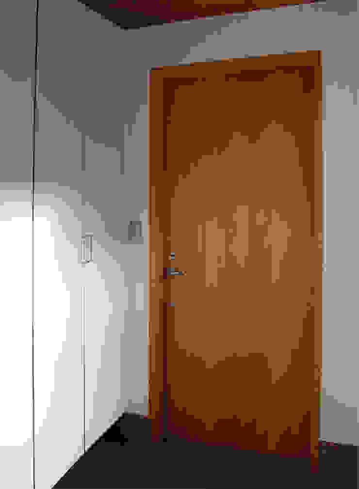 一里塚コートハウス 竹内裕矢設計店 オリジナルな 窓&ドア