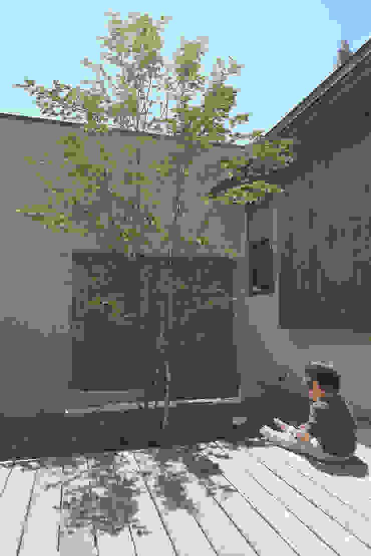 一里塚コートハウス 竹内裕矢設計店 オリジナルな 庭
