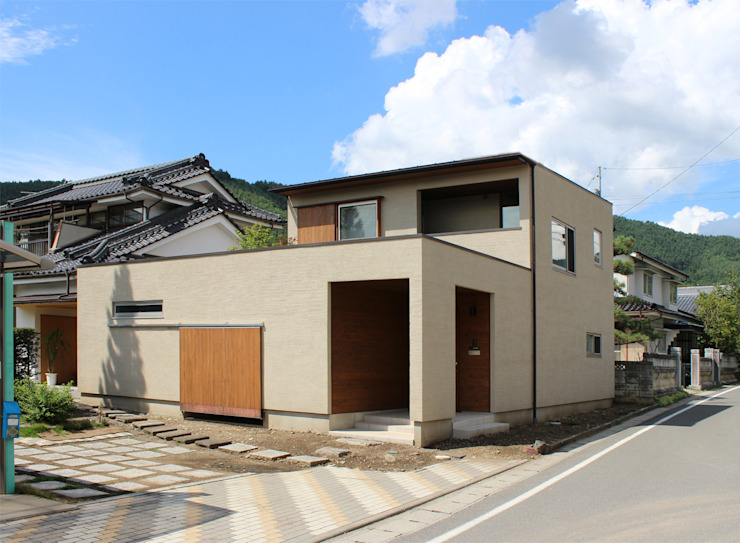 Eclectic style houses by 竹内裕矢設計店 Eclectic
