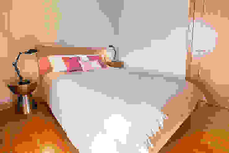Double bedroom Quartos clássicos por Staging Factory Clássico