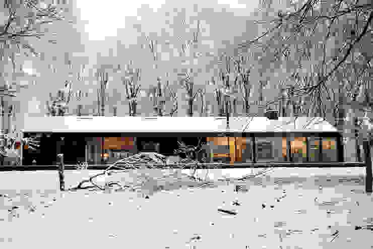 Brouwhuis Scandinavische garage van Bedaux de Brouwer Architecten Scandinavisch