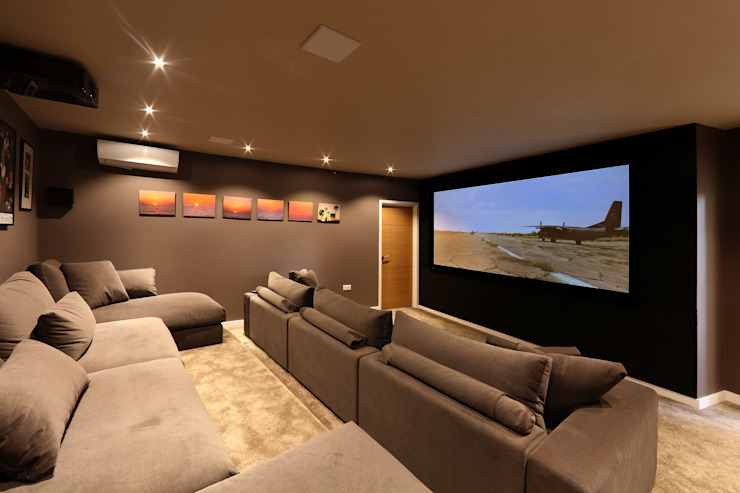 Tolmers Park Modern media room by Nicolas Tye Architects Modern