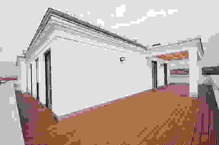 Dachterrasse Seidel+Architekten Klassischer Balkon, Veranda & Terrasse