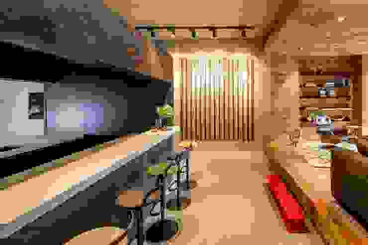 Hakwood Studio hospitality (bar) Industrial style commercial spaces by Hakwood   Great Flooring Stories Industrial