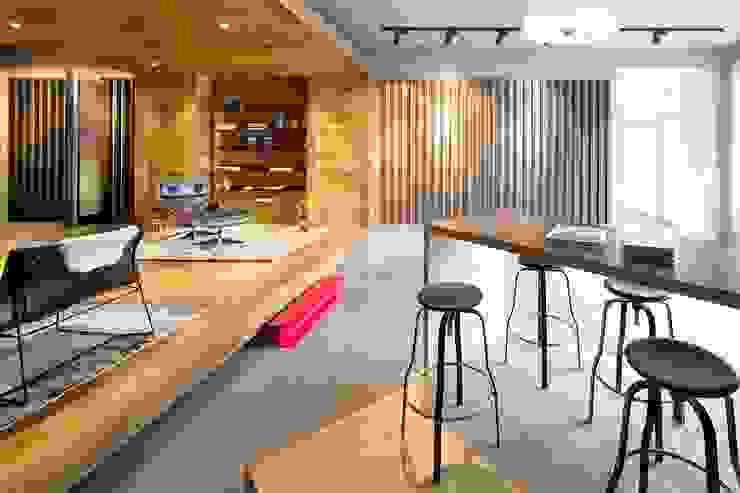 Hakwood Studio Industrial style commercial spaces by Hakwood   Great Flooring Stories Industrial