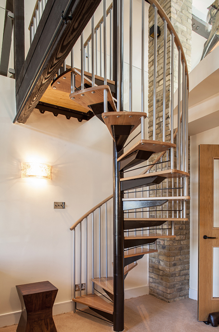 Millennium Drive : Mezzanine Space Nic Antony Architects Ltd Corridor, hallway & stairsStairs