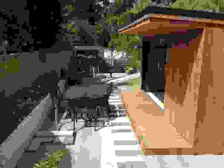 Oak Garage Garage/Rimessa in stile moderno di RTC Moderno